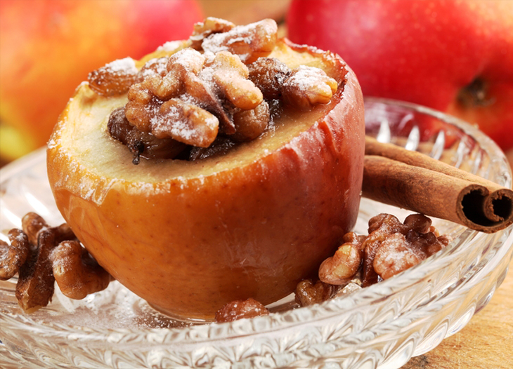 Baked Apples with Oatmeal Raisin Fill